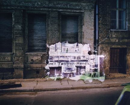 Steinstrasse 21: Slide Projection of former Jewish-owned Pigeon Shop (1931)