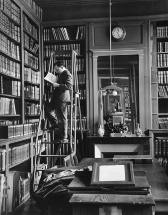 Academie Francaise, Paris (man on a ladder reading)