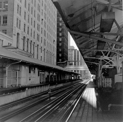 Elevated, Lake and Wells, 1932 Chicago, from Changing Chicago