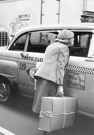 New York (Woman at Taxi)