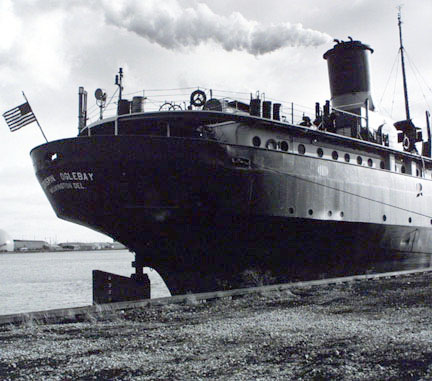 Steamer Crispin Oglebay at Milwaukee, Wisconsin