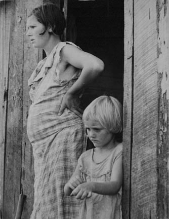 Wife and child of a sharecropper, Washington County, Arkansas