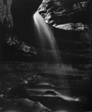 Waterfall, Lasalle Canyon, Starved Rock State Park, Illinios