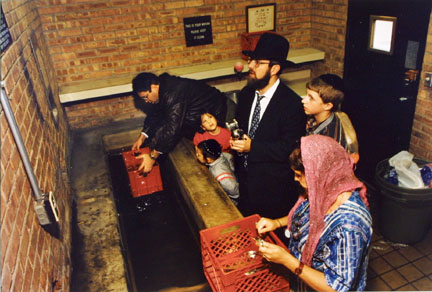 Ritual Purification of Utensils at the Mikvah